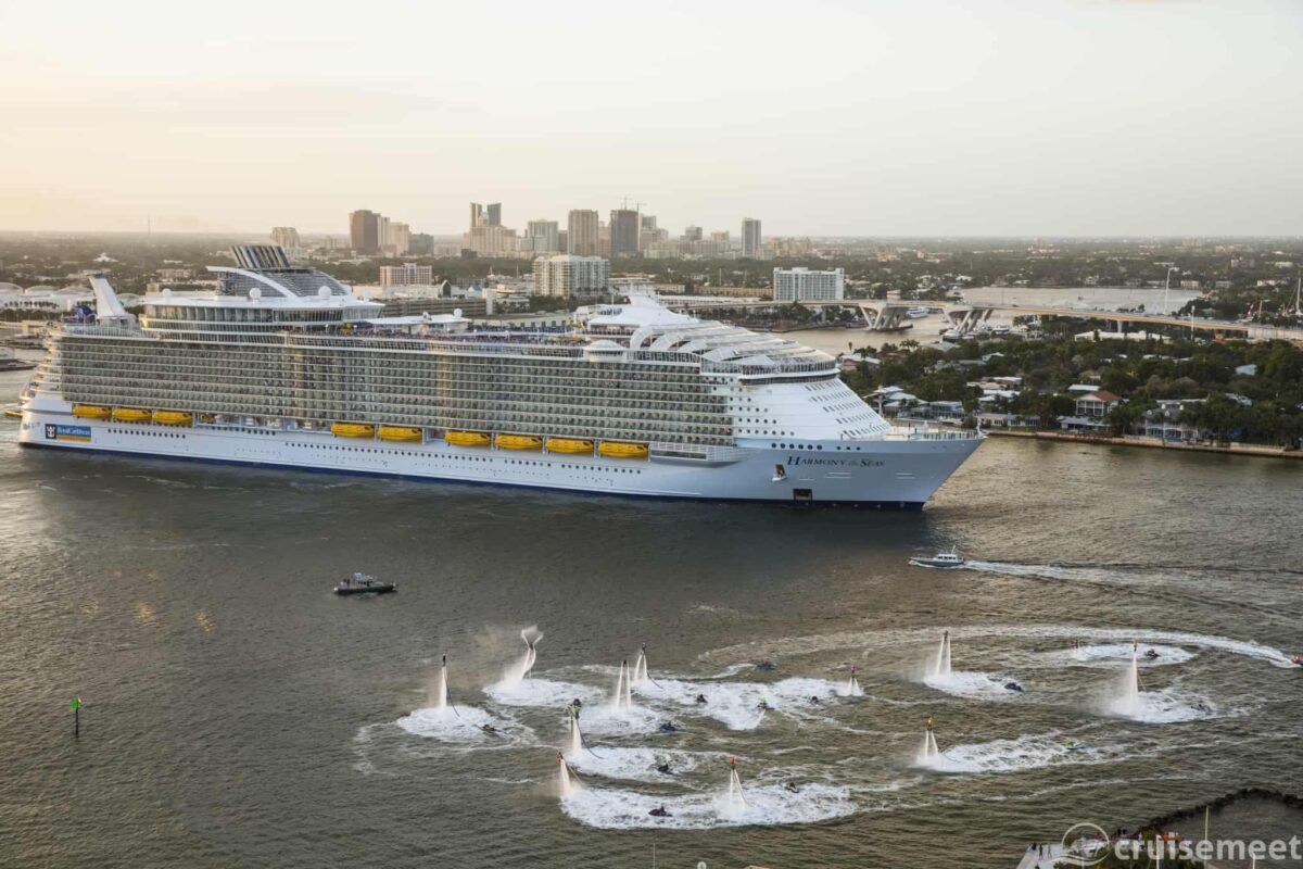 Harmony of the Seas departing Fort Lauderdale