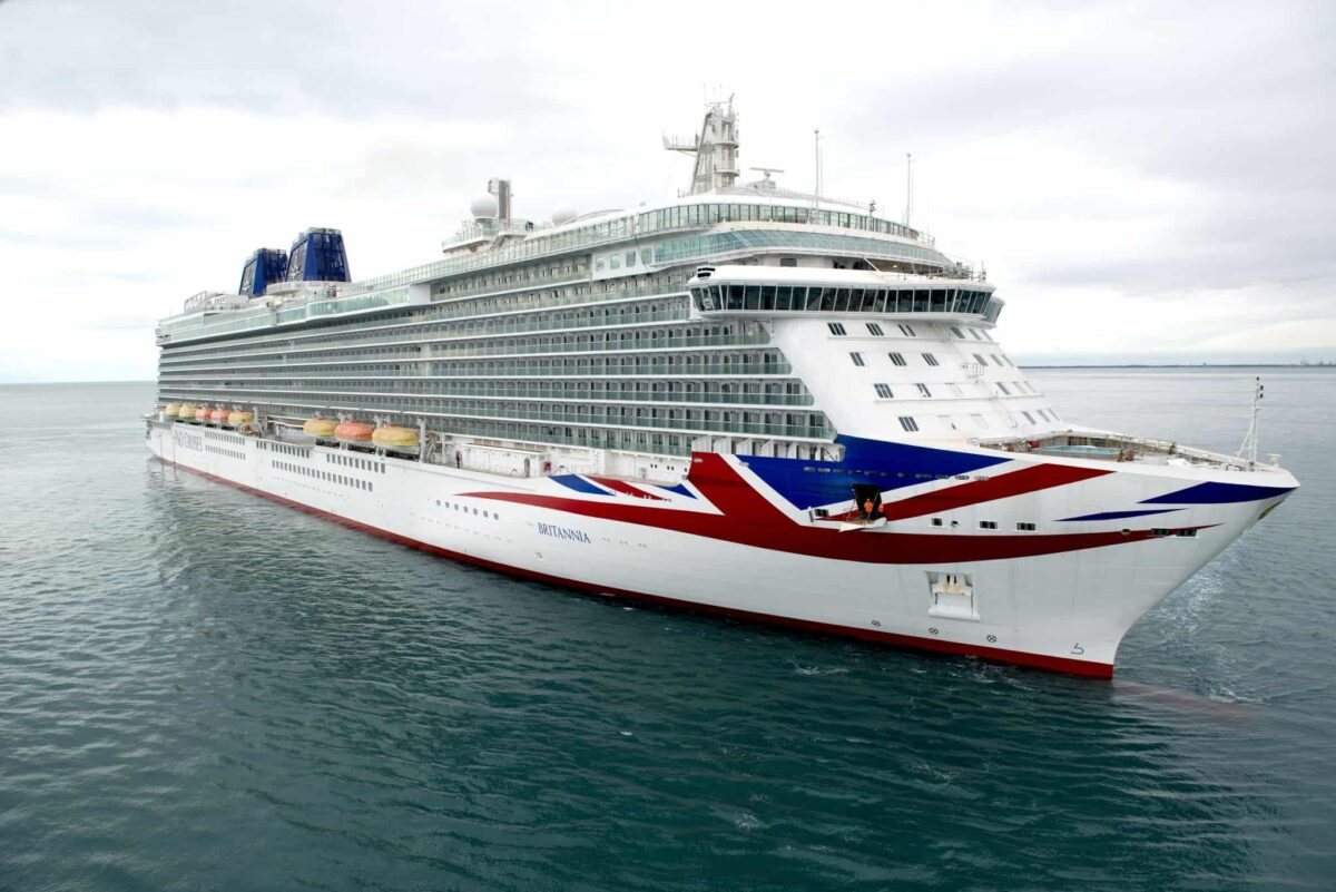 P&O Cruises - Britannia at sea
